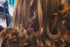 highlights-and-blowout-caramel